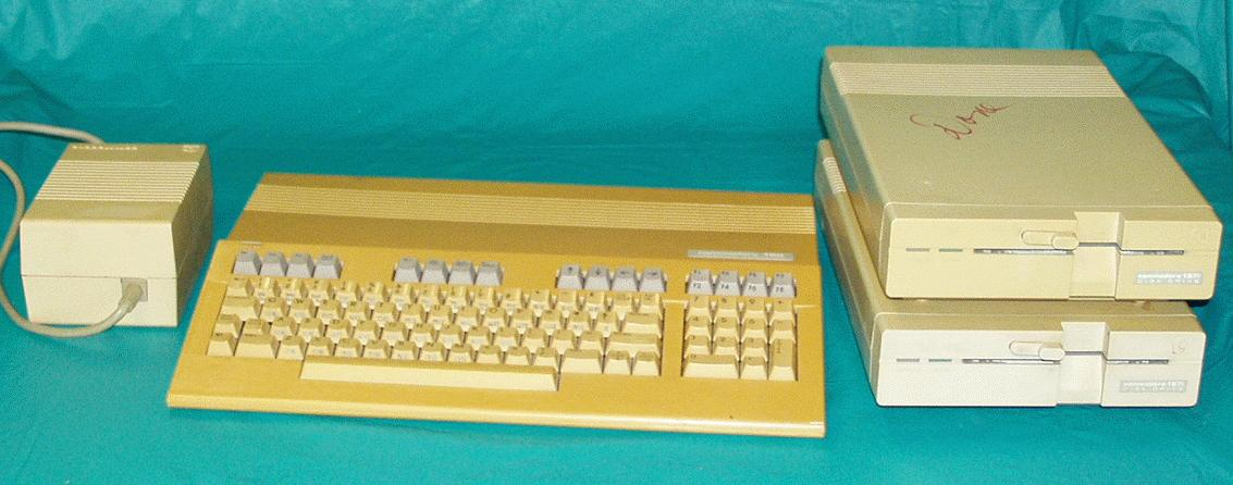 DAVES OLD COMPUTERS - Commodore 128